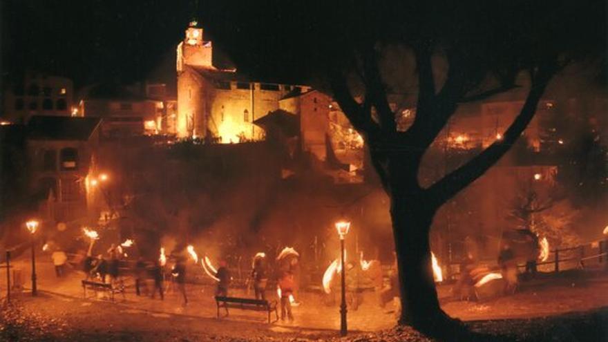 Bagà i Sant Julià de Cerdanyola acolliran la primera trobada d'experts sobre les festes del foc al Pirineu