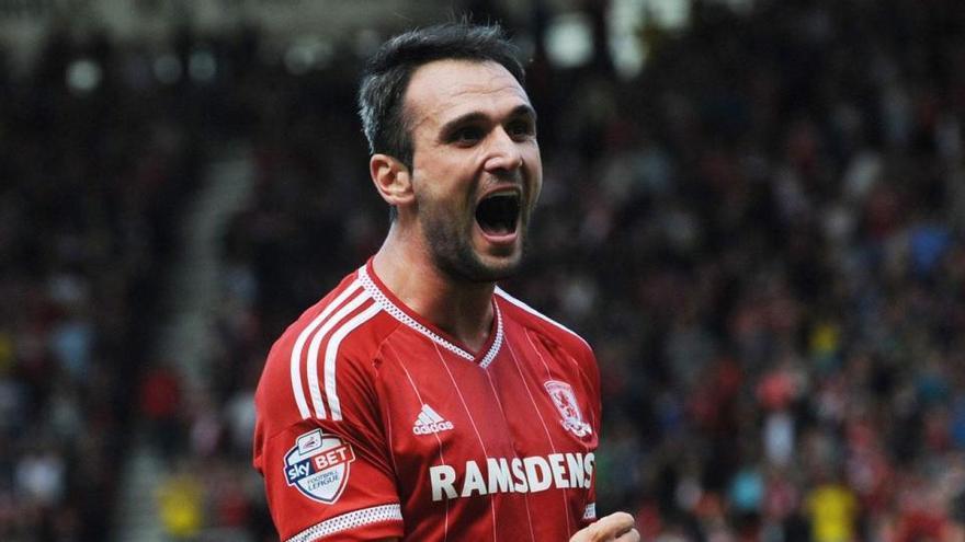 El Real Murcia perdona medio millón de euros al Middlesbrough por Kike García