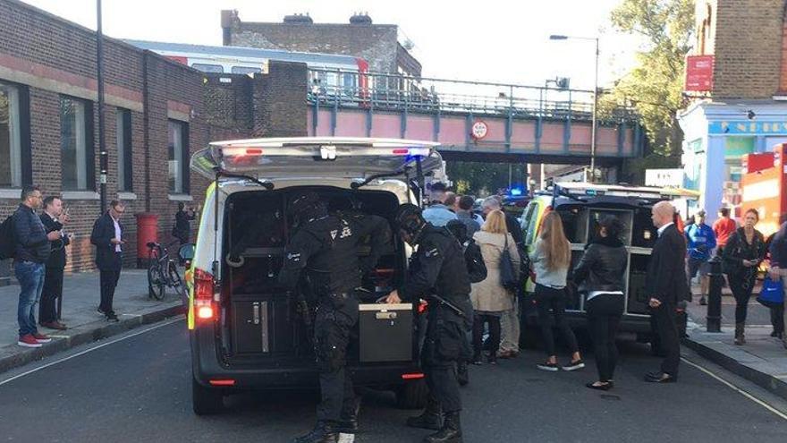 La policia investiga com a acte terrorista l'explosió al metro de Londres