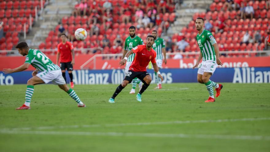 Ángel ya aprieta a Fer Niño en la delantera del Real Mallorca