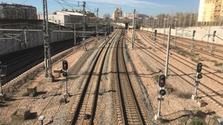 El Gobierno no ve justificado a corto plazo el cercanías entre Palma y Villa del Río, pero buscará mejoras