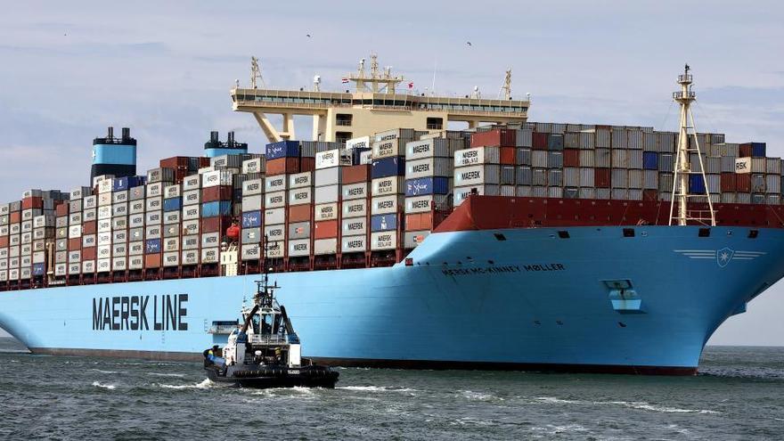 El déficit comercial cae un 58,7%  hasta noviembre