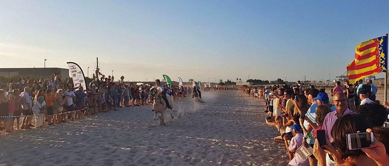 «Correguda de Joies» en Pinedo, con numeroso público asistente.  | LEVANTE-EMV