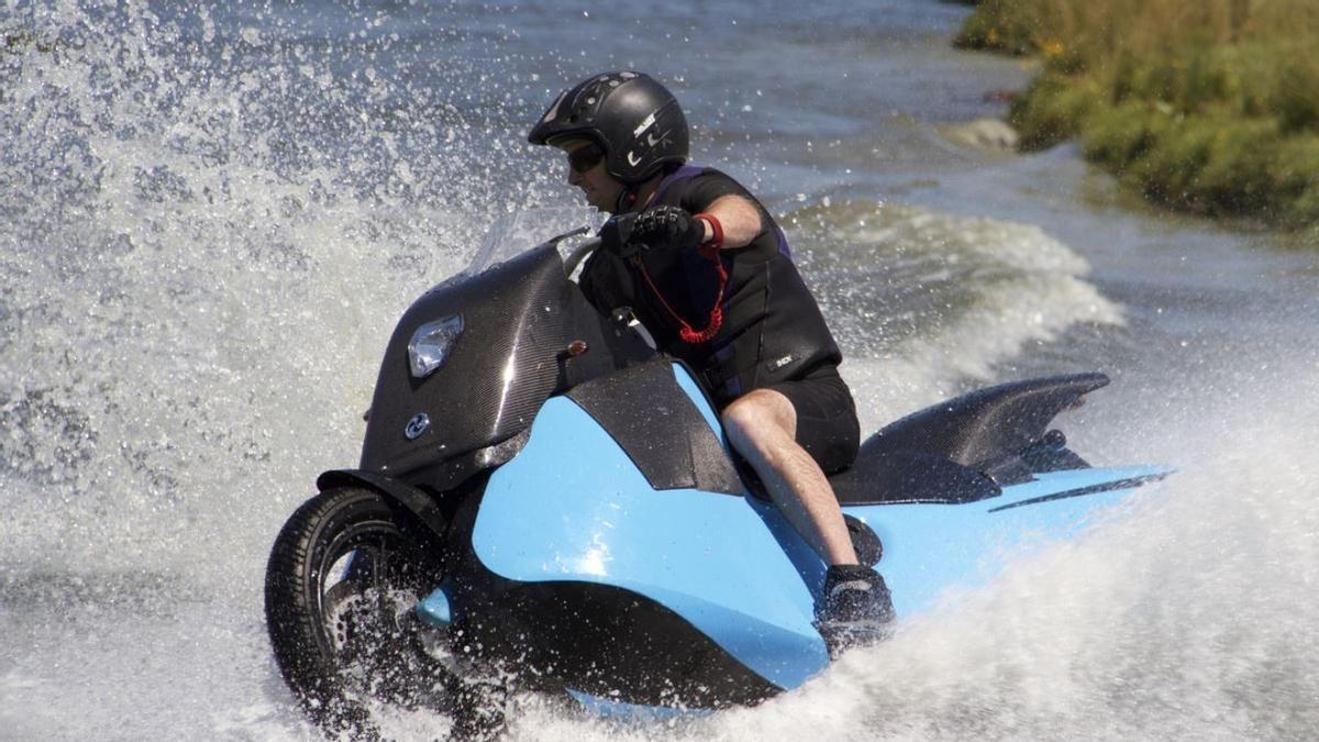 Los vigueses podrán llegar a Cangas en su moto sin montar en barco