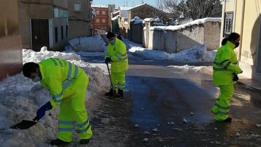 Más de 16.000 alumnos de 19 municipios de la C.  Valenciana siguen sin clase por la ola de frío y nieve