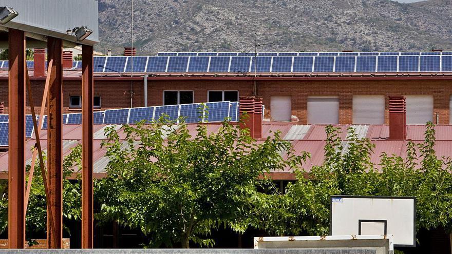 Ontinyent ha ganado 300.000 € por la energía de sus placas fotovoltaicas