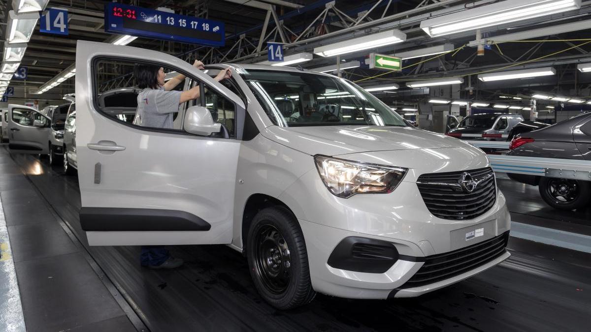 La producción de vehículos caerá en marzo.