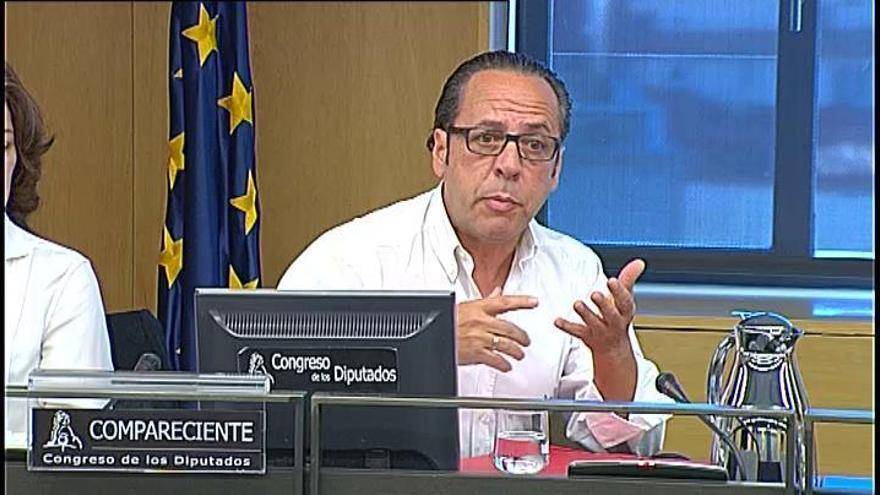 "'El Bigotes' señala al marido de Cospedal sobre la 'caja b': ""Iba a soltar el mondongo"""