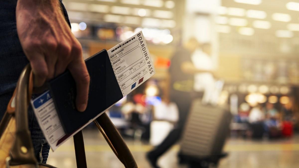 La Comisión Europea crea la web 'Re-open EU' para que viajes seguro este verano