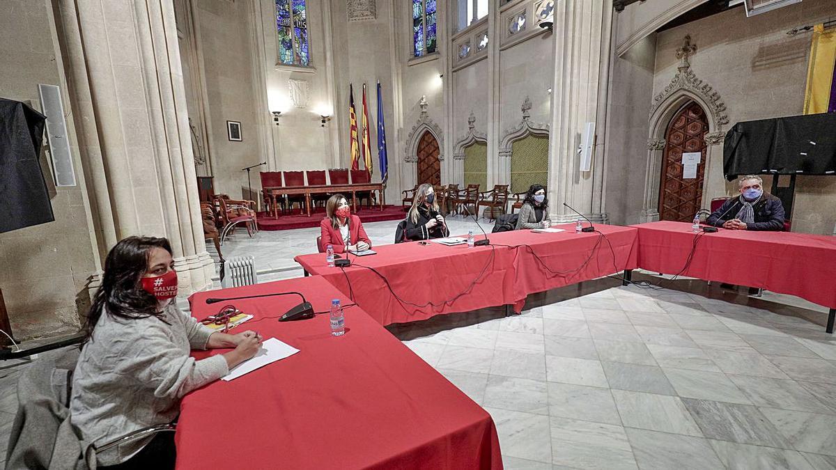Imagen de la reunión de Cusí, Morillo, Gómez, Castro y Robledo celebrada ayer.