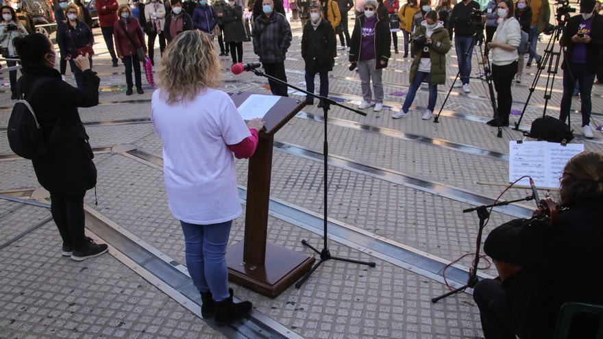 Alcoy clama contra la violencia hacia las mujeres