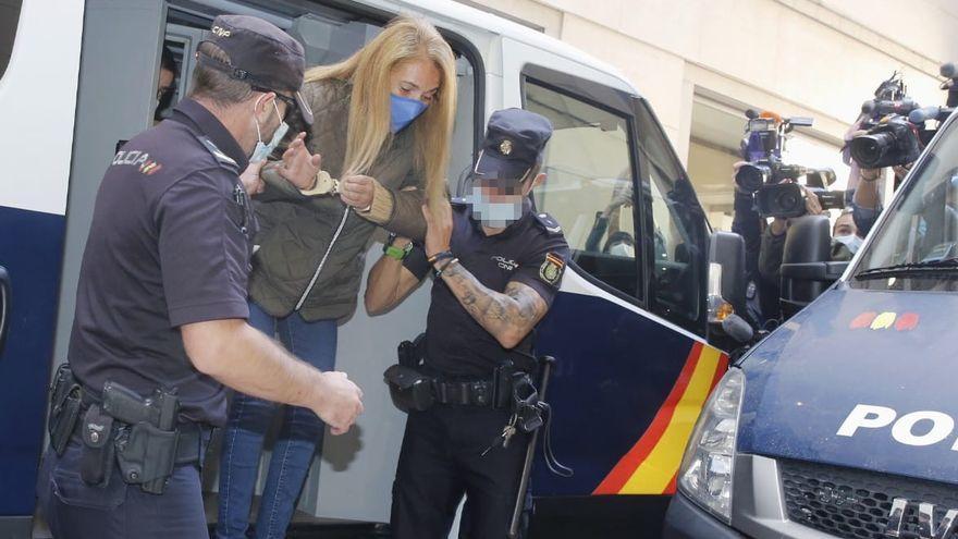 Empieza el juicio de la viuda negra de Alicante, acusada de matar a su marido tras la boda