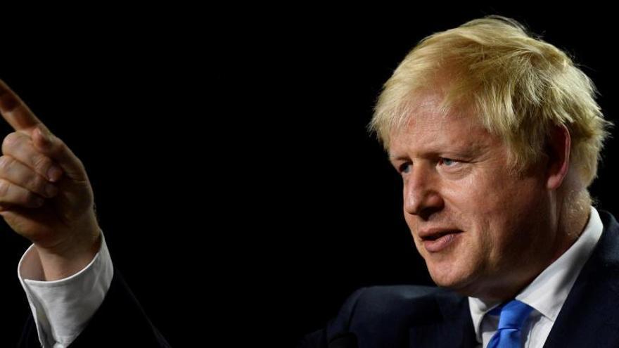La reina Elisabet II aprova la suspensió del parlament britànic fins a mitjans d'octubre exigida per Johnson