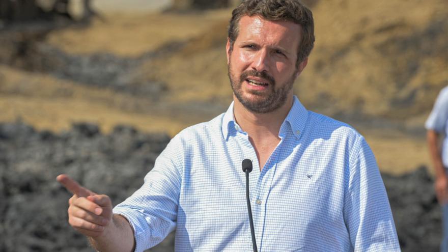 """Casado exige al Gobierno más medios frente a la """"avalancha"""" de migrantes en Canarias"""