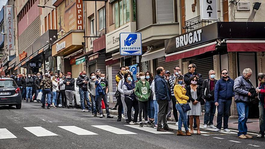 Satisfacció entre el comerç de l'Alt Empordà per la creixent arribada de clients francesos