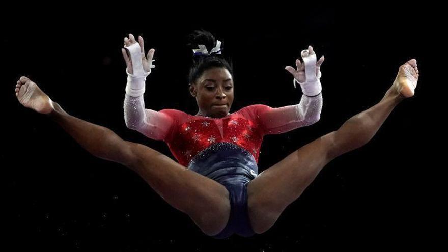 Simone Biles lleva a EEUU a un nuevo oro y ya es la gimnasta más laureada de la historia