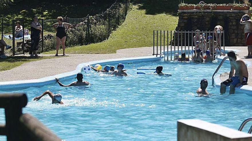La piscina de Illas no abrirá este verano