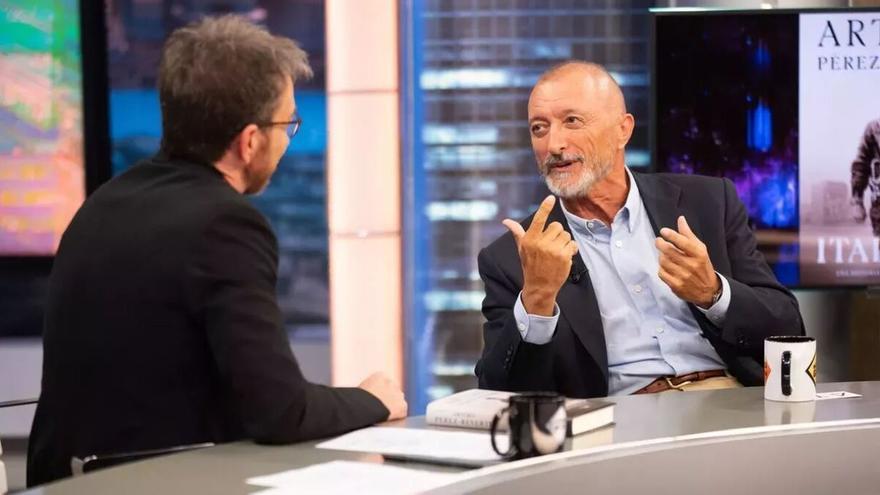 """Pérez Reverte llama """"analfabeto"""" a quien use el lenguaje inclusivo en 'El Hormiguero'"""