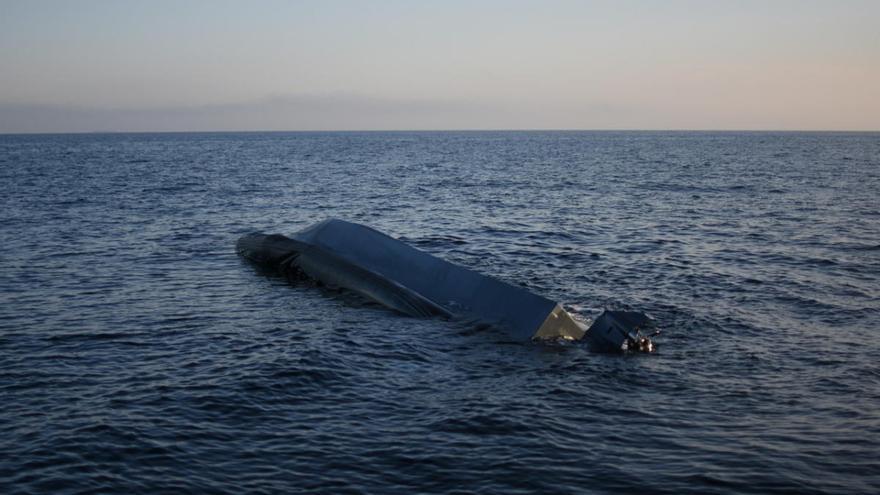 ANSE sale al rescate de una patera con once personas a bordo en Almería