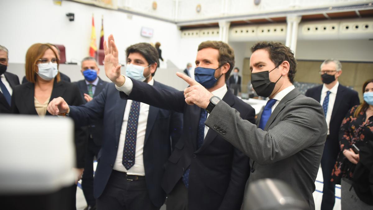 López Miras, Casado y García Egea, este jueves en Murcia.