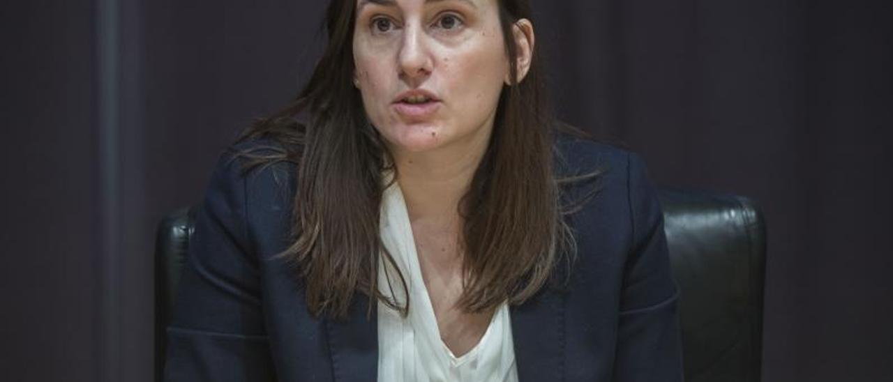 La socialista Elisa Valía es la vicepresidenta de la EMT .  F.Bustamante