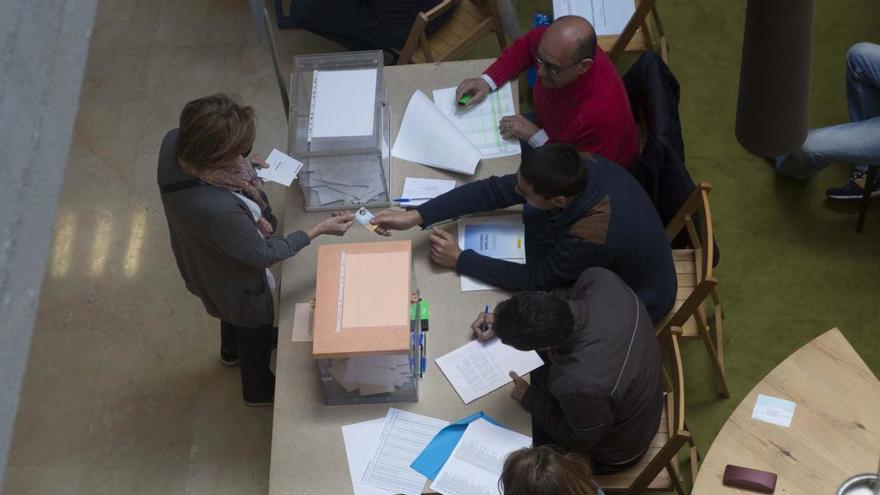 Piden un año de cárcel para tres acusados del fraude electoral en la lista de Ganemos Oviedo