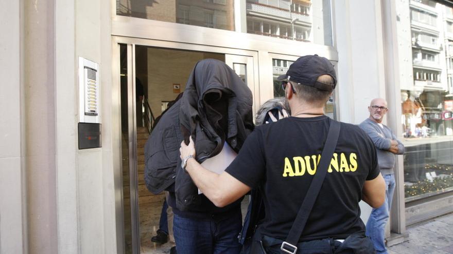 La Audiencia anula el procesamiento de medio centenar de imputados por el fraude del AVE