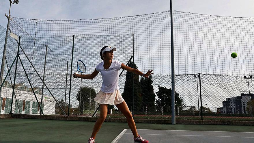 La avilesina con el mejor revés: Ana Martínez Vaquero, nieta de Campanal, campeona de España de tenis por comunidades