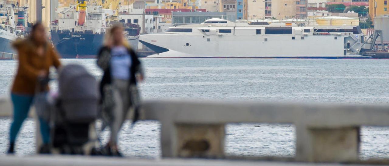 El Alborán, atracado este lunes en el Puerto.