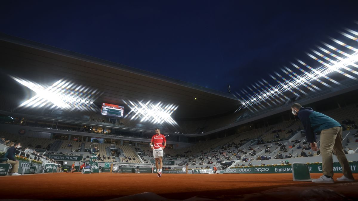 Image of Philippe Chatrier during a 2020 Roland Garros match.
