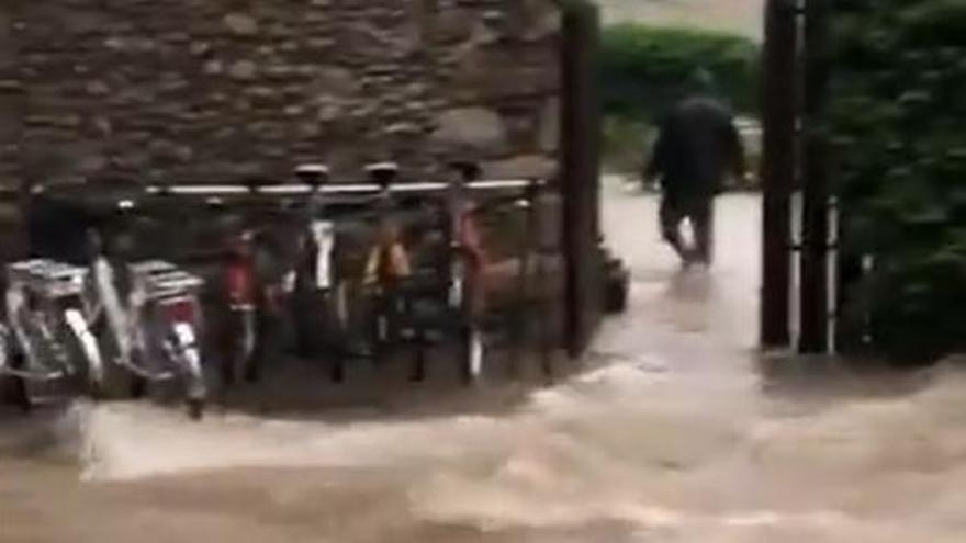 Aiguat a Puigcerdà, on han caigut ja més de 80 litres/m2