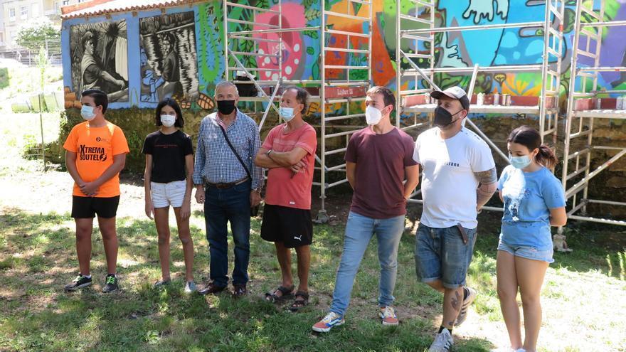 Ponteverán termina un nuevo graffiti en Os Gafos