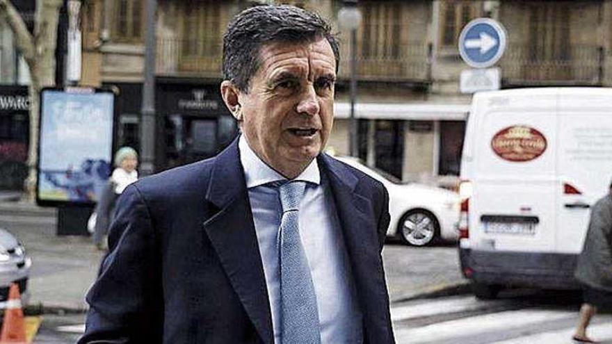 Jaume Matas trabaja como ayudante en una farmacia de Madrid