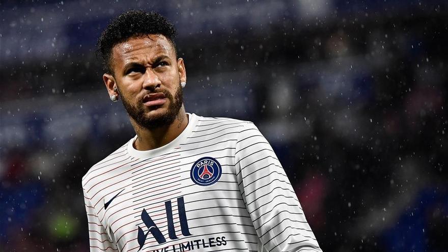 Neymar regresa a Francia y a un PSG cambiante