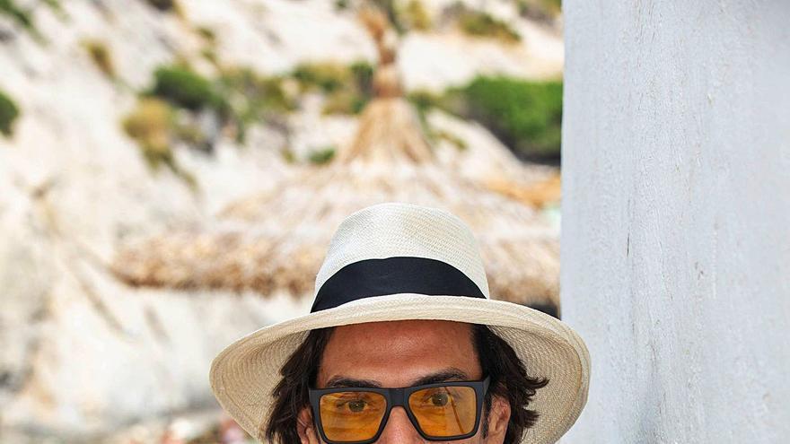 Omar Hernández: «Mallorca es mi lugar feliz de reencuentro con amigos y donde mantener el anonimato»