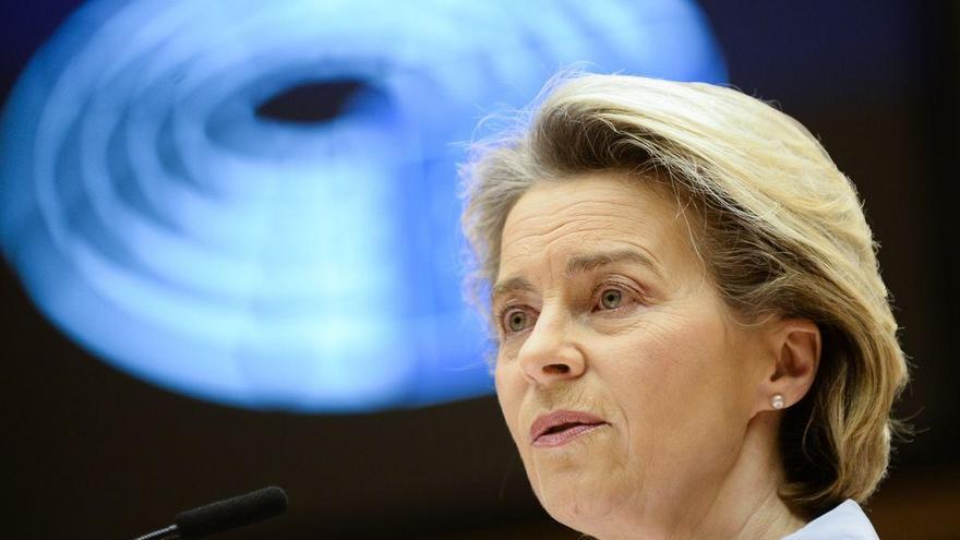 Von der Leyen reconoce haber pecado de optimismo en la gestión de las vacunas