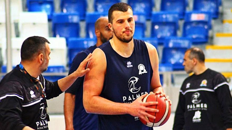 El Palmer Palma anuncia la renovación de Suskavcevic