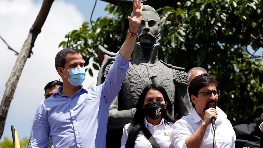 Agentes de la Policía de Venezuela irrumpen en casa de Juan Guaidó