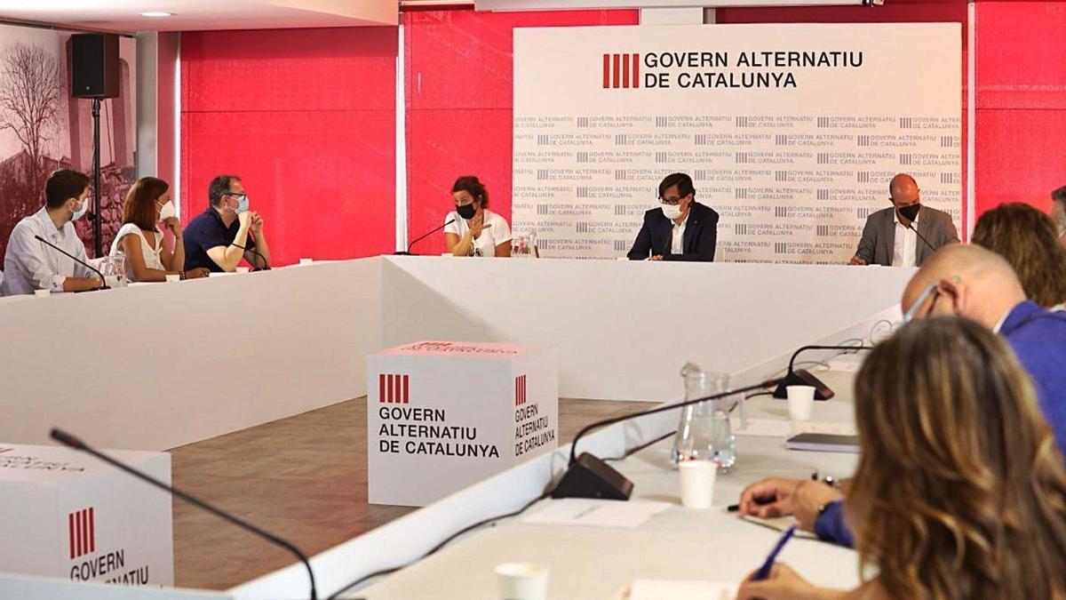 Reunió del govern alternatiu del PSC, ahir a Segur de Calafell   EP