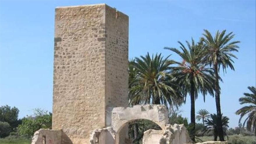 Condenados cuatro grafiteros por hacer pintadas en una torre protegida del siglo XVI