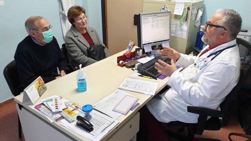 """Las consultas presenciales en los centros de salud """"no volverán"""" al nivel prepandemia"""
