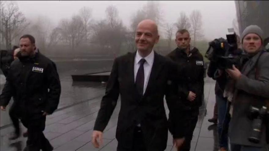 La policía federal suiza registra la sede de la UEFA  en Nyon