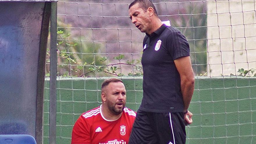 Patricio de Ara, entrenador del Atlético Victoria.