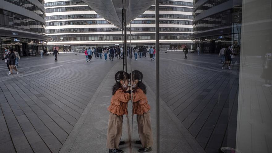 China permitirá tener a las parejas casadas un tercer hijo