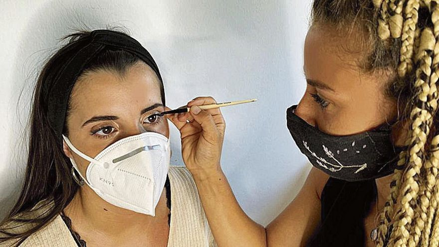 Guapísimas con máscara