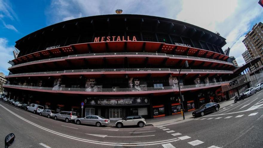 El Valencia CF confirma cinco positivos en jugadores y técnicos