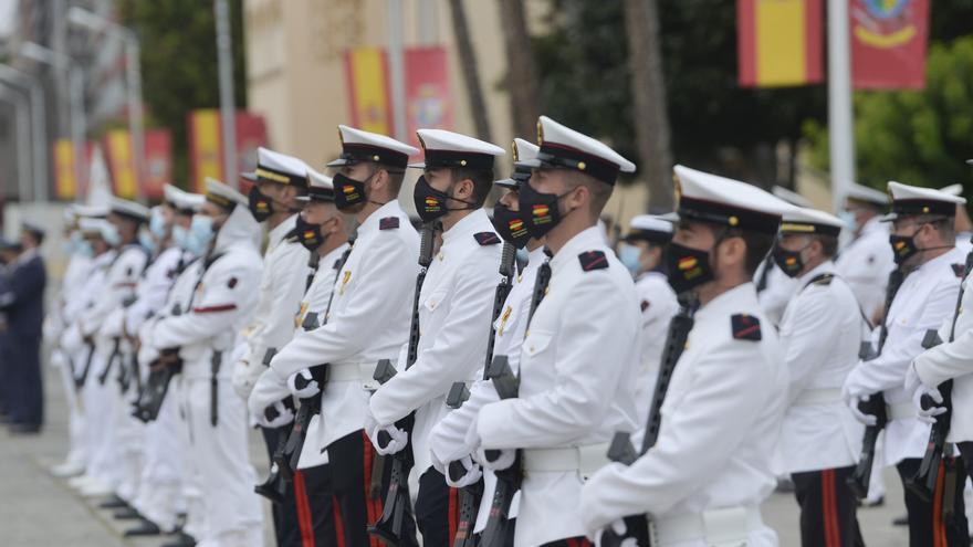 La Armada rinde homenaje a su patrona y a los caídos por el coronavirus