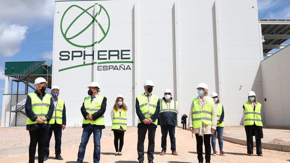 Visita del Presidente de Aragón a las obras de la instalación de la empresa del grupo Sphere en Pedrola
