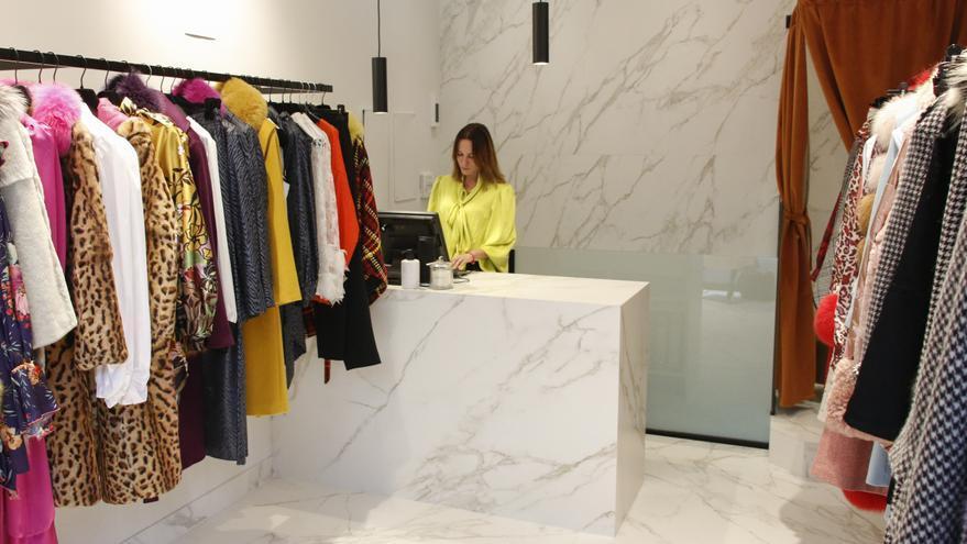 Cyrana, marca de moda premium hecha en Asturias, estrena tienda en Oviedo