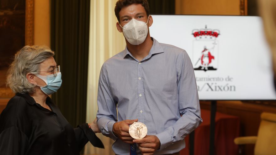 Gijón recibe con honores a Pablo Carreño tras su éxito en Tokio
